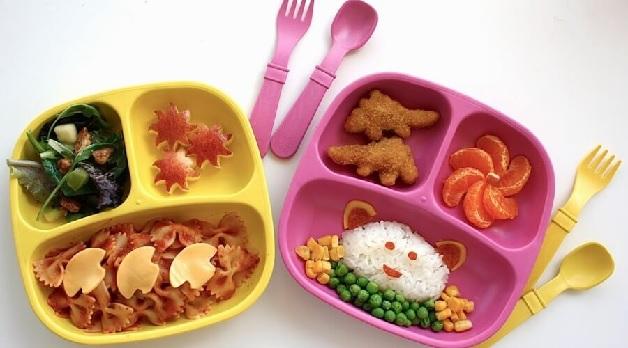 Bố mẹ nên trình bày món ăn đẹp mắt để kích thích sự thèm ăn của trẻ