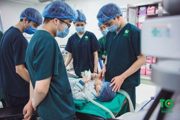 phẫu thuật viêm thanh quản