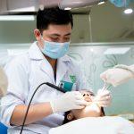 Cạo vôi đánh bóng răng – 7 điều bạn cần biết