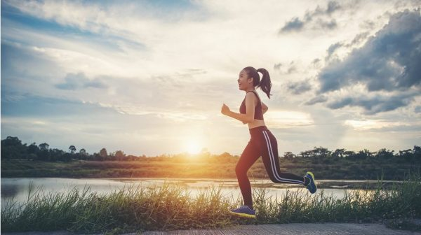 Tự tạo cho bản thân một chế độ sinh hoạt, nghỉ ngơi hợp lý là phương pháp cải thiện tình trạng chảy máu âm đạo hữu hiệu