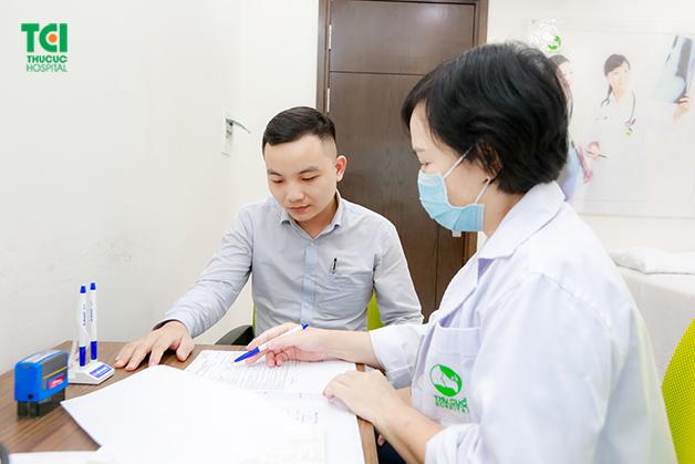 thăm khám sức khỏe định kỳ cho người lao động