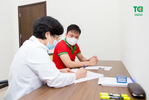 bệnh viện tổ chức khám sức khỏe cho nhân viên