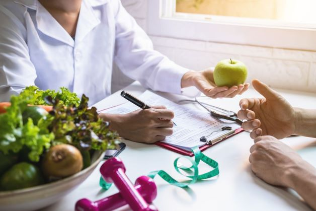 Khám dinh dưỡng là giúp tầm soát sức khỏe, thông qua đó đánh giá chính xác thực trạng, thói quen dinh dưỡng của mỗi người.