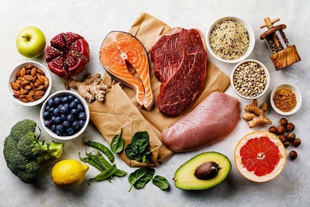 Chế độ ăn khoa học, phù hợp còn giúp chúng ta giảm cholesterol – tác nhân hàng đầu gây ra các bệnh tim mạch.