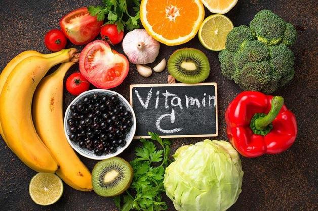 Sau khi phẫu thuật tử cung, chị em nên ăn các loại thực phẩm giàu vitamin C