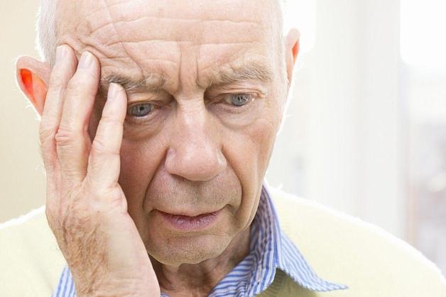 Nguyên nhân gây ra bệnh suy giảm trí nhớ ở người già