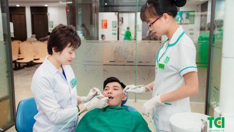 Phẫu thuật lật vạt điều trị viêm quanh răng tại Thu Cúc