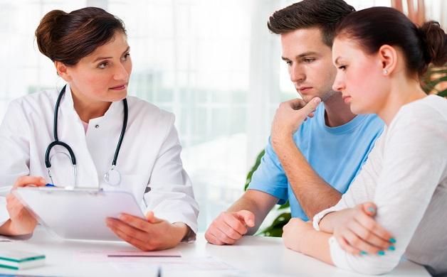 Thăm khám bác sĩ định kỳ để kiểm tra tình trạng sức khỏe gan