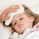 Nguyên nhân trẻ bị sốt sau khi tiêm phòng 5 trong 1