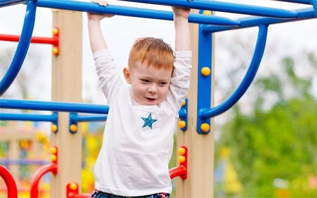 Các hoạt động vui chơi giúp trẻ ăn ngon miệng và có giấc ngủ ngon vào buổi tối.
