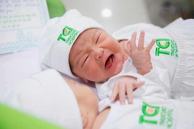 Trẻ quấy khóc không ngủ ở giai đoạn 0 đến 3 tháng tuổi thường là do chưa thích nghi được với môi trường bên ngoài bụng mẹ.