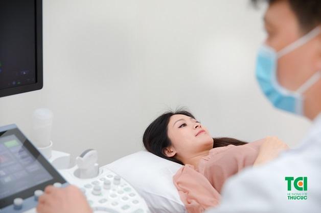 Chị em sẽ được thăm khám cẩn thận và nhận được sự tư vấn tỉ mỉ từ bác sĩ trước khi thực hiện triệt sản