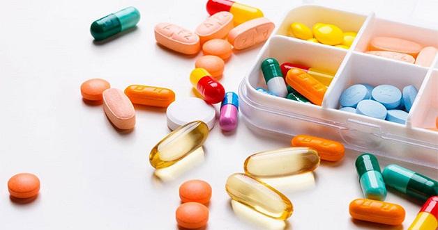 Điều trị viêm phúc mạc tiểu khung bằng thuốc kháng sinh để kiểm soát nhiễm trùng