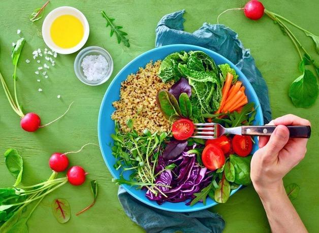 chế độ ăn uống dành cho người viêm tai ngoài