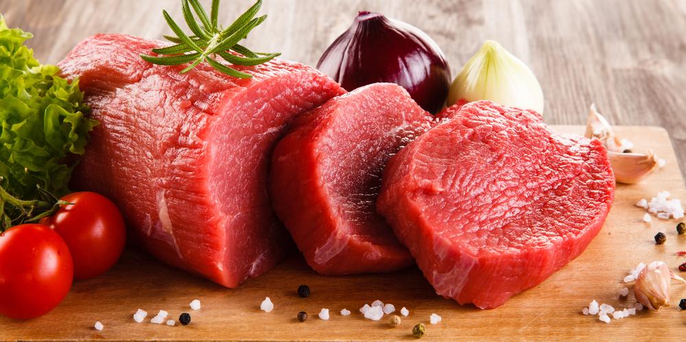 Mẹ bầu tiểu đường thai kỳ chỉ nên ăn phần thịt nạc, hạn chế phần mỡ và nên ăn kèm với rau xanh, cà chua