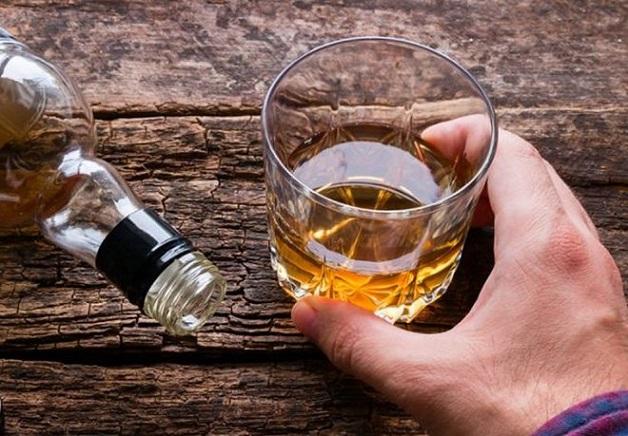 Nguyên nhân chính gây nhiễm mỡ ở gan là do rượu