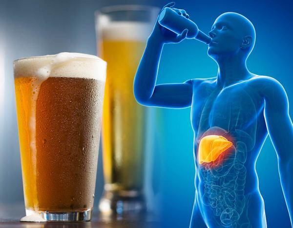 Thói quen uống rượu bia cũng là lý do khiến tỷ lệ mắc ung thư gan ở nước ta tăng cao
