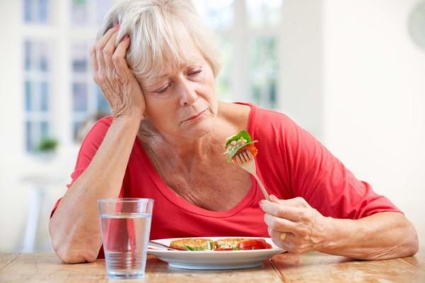 Mệt mỏi, chán ăn là một trong những biểu hiện bệnh gan mật thường gặp