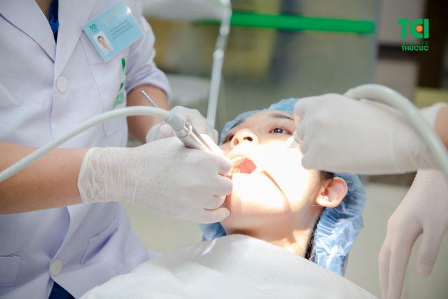 Nhổ răng hàm bằng sóng siêu âm Piezotome là phương pháp tân tiến nhất hiện nay