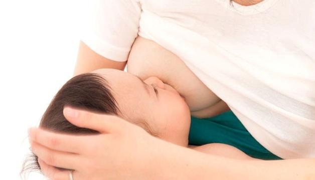 Mẹ cho con bú sau sinh là trường hợp dễ bị áp xe vú