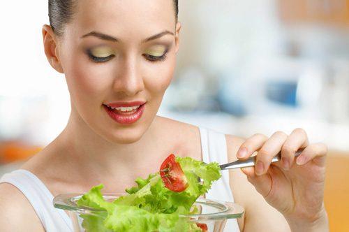 Khi bị đau thượng vị, người bệnh cần chú ý ăn uống đúng cách, khoa học nhằm cải thiện sớm bệnh
