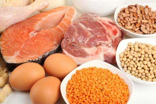 Bổ sung các thực phẩm giàu protein cũng giúp cải thiện sớm bệnh
