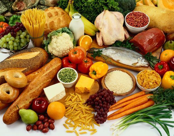 Chế độ ăn uống đúng cách sẽ giúp người bệnh sớm phục hồi sau mổ thoát vị đĩa đệm