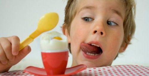 Ăn trứng có gây đây bụng không là câu hỏi được nhiều người quan tâm