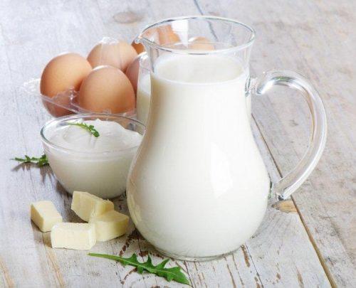 Trứng và sữa là 2 loại thực phẩm có tính kị nhau, không nên ăn cùng nhau để tránh bị đầy bụng, khó tiêu