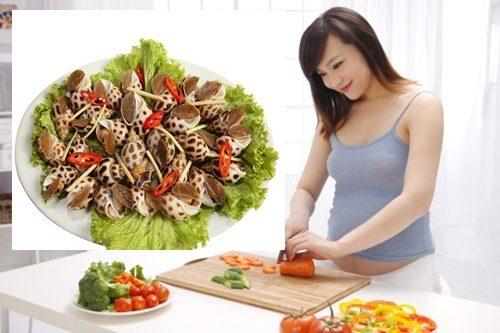 Để cải thiện tình trạng sôi bụng, bà bầu cần chú ý tới chế độ ăn uống hàng ngày