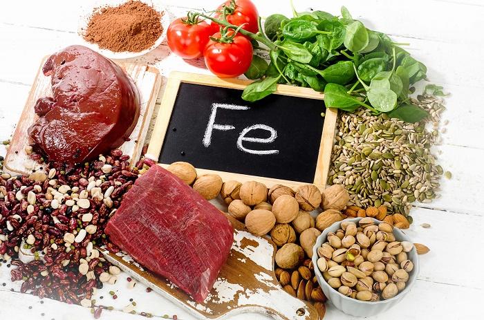 Các loại thực phẩm giàu chất sắt hỗ trợ phòng và điều trị băng huyết rất tốt.