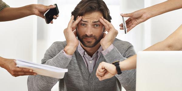 Trong cuộc sống, cần tránh căng thẳng, mệt mỏi vì có thể khiến triệu chứng gout trầm trọng hơn