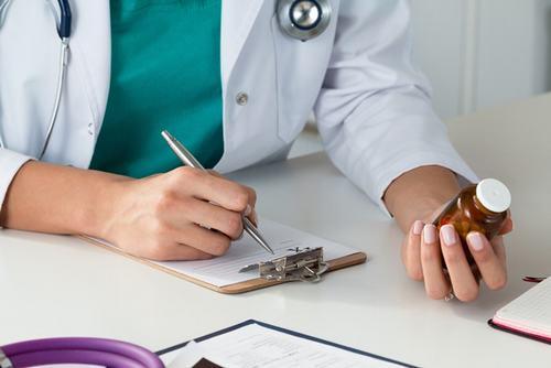 Người bệnh cần tuân thủ chỉ định của bác sĩ điều trị về liều lượng sử dụng thuốc