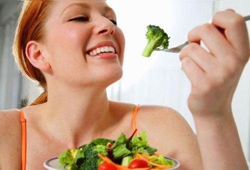 Người bệnh cần ăn uống đúng cách nhằm cải thiện sớm tình trạng sức khỏe