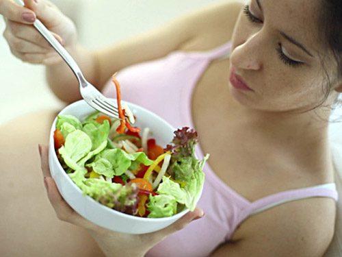 Người bệnh cần chú ý ăn uống đúng cách sẽ giúp cải thiện dần tình trạng sức khỏe
