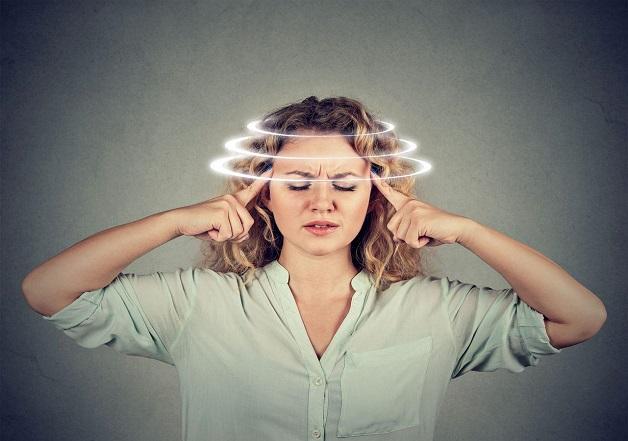 Chóng mặt là một trong những dấu hiệu đặc trưng của bệnh rối loạn tiền đình