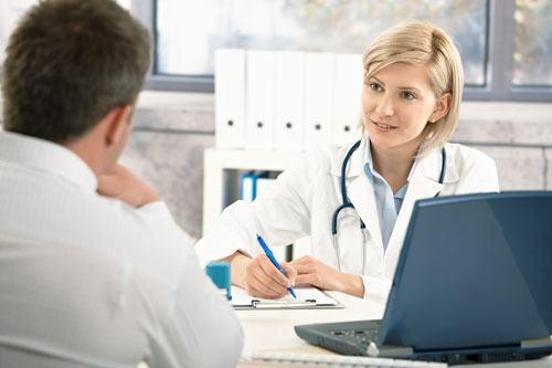 Bạn cần thăm khám và tuân thủ phác đồ điều trị của bác sĩ