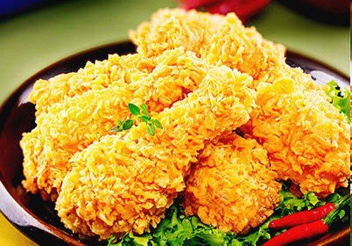 Người mắc bệnh dạ dày cần hạn chế ăn đồ nướng và chiên rán, nhất là đồ chế biến ở nhiệt độ cao. Ví dụ các món như đùi gà rán, đậu phụ mắm tôm. Hai món ăn này có chất gây ung thư dạ dày.