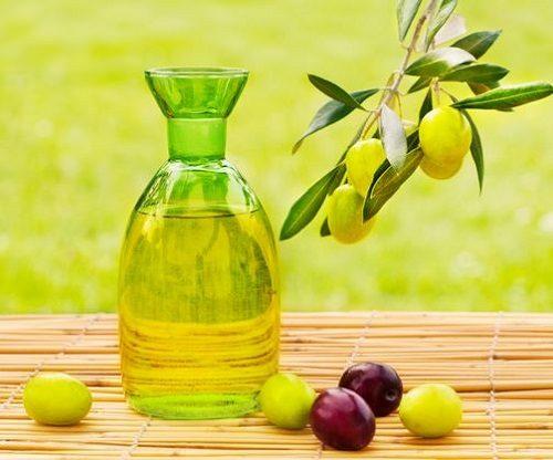 Nên sử dụng dầu o liu, dầu hạt cải, dầu đậu nành, dầu lanh... cho người bệnh trĩ.