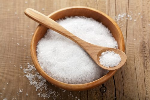 muối là loại gia vị không tốt cho người bệnh trĩ