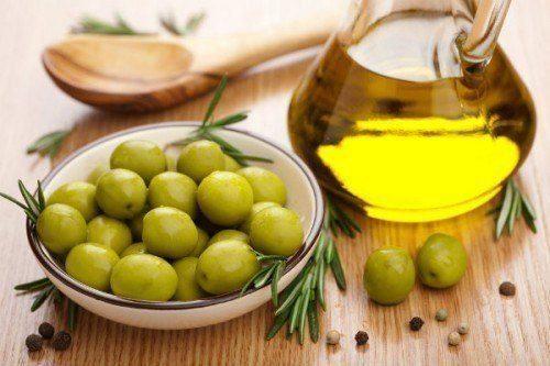 Dầu oliu có nhiều công dụng giúp điều trị và phòng ngừa nhiều bệnh lý như đau dạ dày, tim mạch, tiêu chảy...