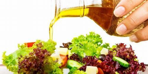 Có thể dùng dầu oliu trong chế biến thực phẩm ăn uống hàng ngày sẽ giúp giảm các triệu chứng đau dạ dày