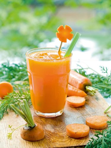 Người bệnh táo bón có thể ăn cà rốt để cải thiện chứng táo bón.
