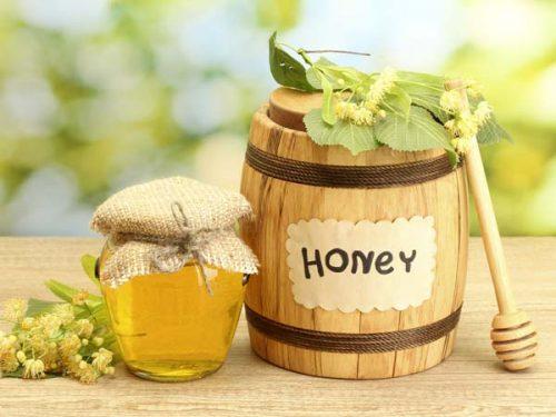Mật ong là thực phẩm giá trị dinh dưỡng rất cao tốt cho người táo bón.