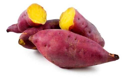 Khi bị táo bón người bệnh nên ăn các thực phẩm tốt cho tiêu hóa như khoai lang, rau mồng tơi...