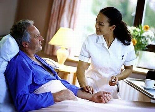 Người bệnh cần nghỉ ngơi đúng cách sau mổ để tránh biến chứng xảy ra