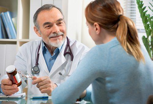 Để điều trị viêm loét dạ dày tá tràng, người bệnh cần tìm đến các cơ sở y tế, bệnh viện chuyên môn để được bác sĩ tư vấn kỹ lưỡng