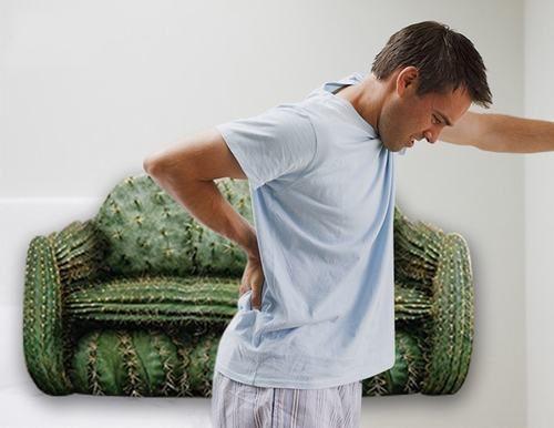 Việc ăn uống không đúng cách hoặc đứng, ngồi quá lâu là những yếu tố làm tăng nguy cơ mắc bệnh trĩ
