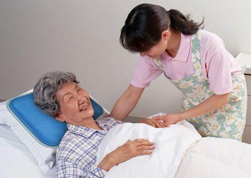 Người bệnh cần nghỉ ngơi, hạn chế vận động mạnh để vết thương nhanh lành