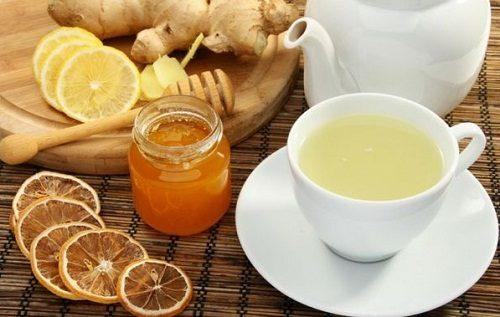 Uống trà gừng cũng giúp chữa đau bụng hiệu quả